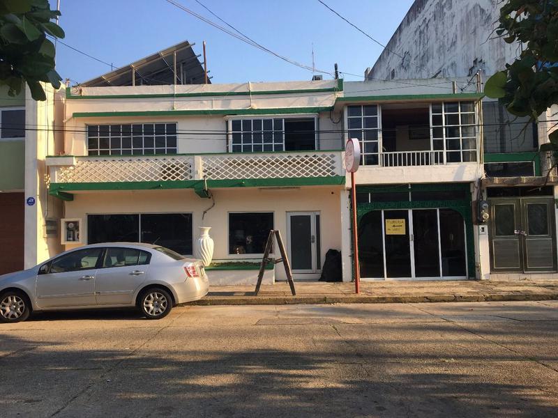 Foto Departamento en Venta en  Coatzacoalcos Centro,  Coatzacoalcos  Casa con 2 locales comerciales en Venta sobre la calle, Zamora, Col. Centro