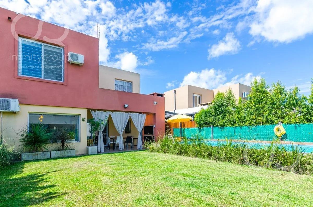 Foto Casa en Venta en  Casas de Santa Maria,  Villanueva  Casa en Casas de Santa María (Villanueva)