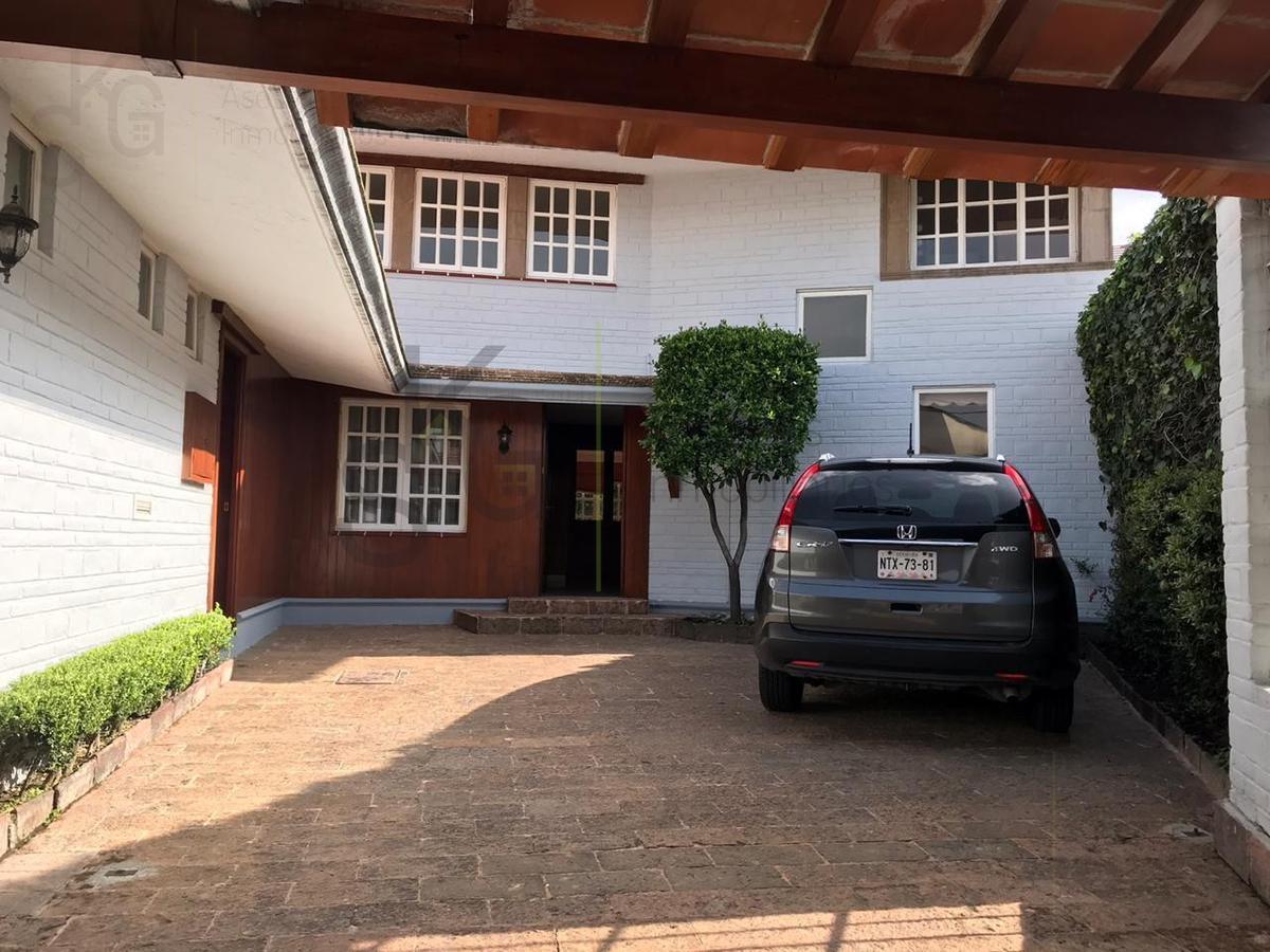 Foto Casa en Venta en  Lomas de Tecamachalco,  Huixquilucan  SKG Asesores Inmobiliarios Vende Casa en Lomas de Tecamachalco