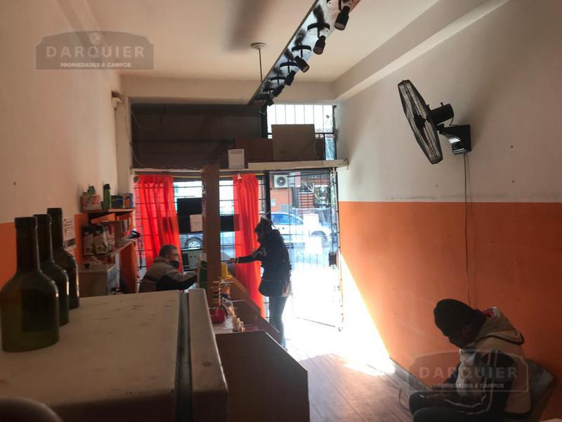 Foto Local en Alquiler en  Adrogue,  Almirante Brown  SOMELLERA 642