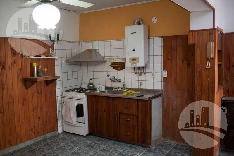 Foto Casa en Venta en  Venado Tuerto,  General Lopez          Roca 300