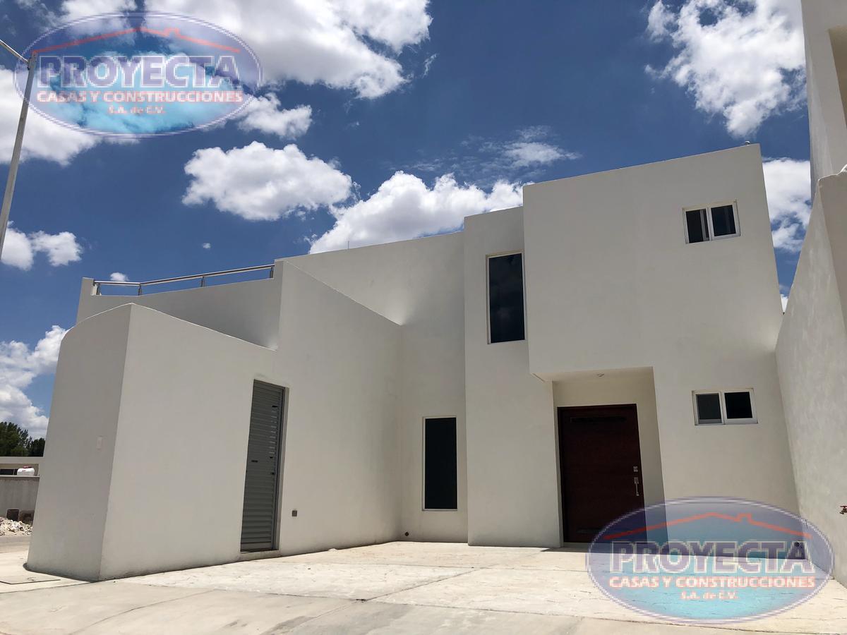 Foto Casa en Venta en  Balcón de Tapias,  Durango  CASA EN ESQUINA EN PRIVADO CERCA DE COLEGIO  GUADIANA,  FRAC. BALCON DE TAPIAS