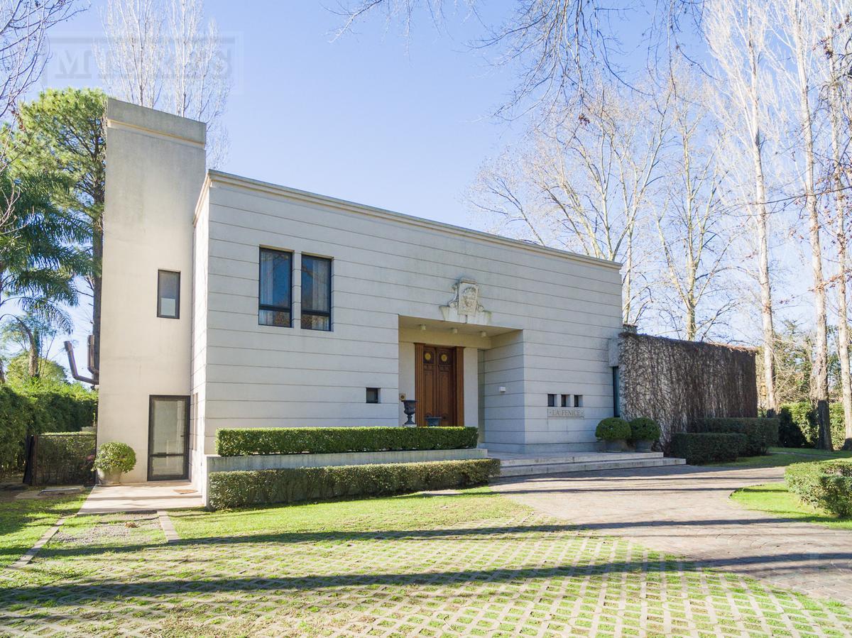 Mieres Propiedades - Casa de 600 mts. en Highland Park