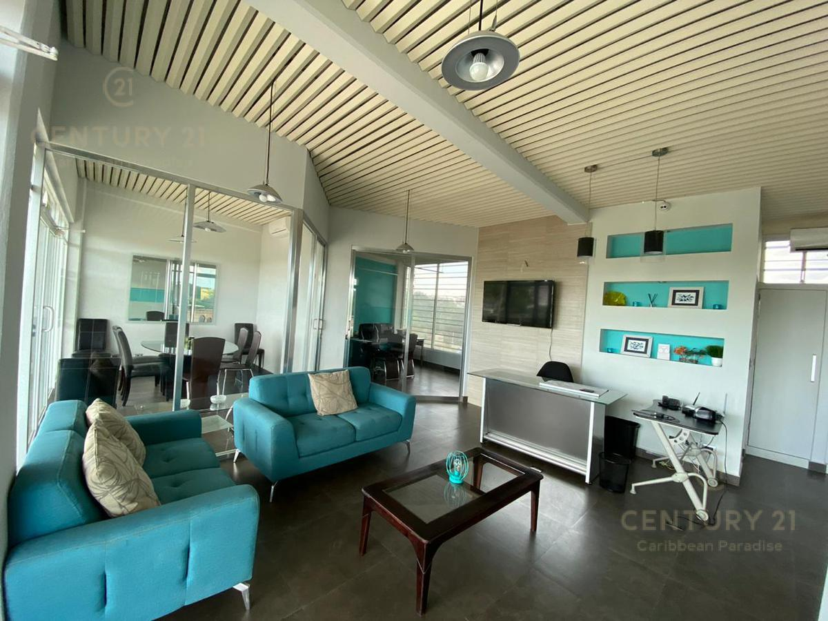 Playa del Carmen Bussiness Premises for Rent scene image 0