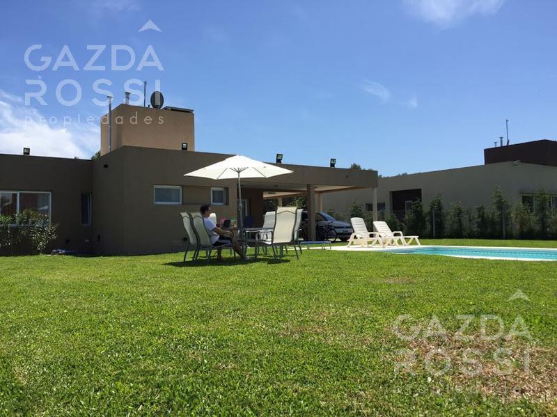 Foto Casa en Venta en  Santa Juana,  Canning  propiedad a la venta en barrio santa juana con piscina