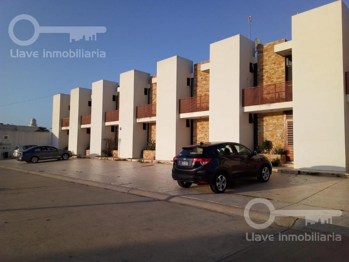 Foto Casa en Venta en  Playa de Oro,  Coatzacoalcos  Casas en Venta en Privada Paraiso Manzana J