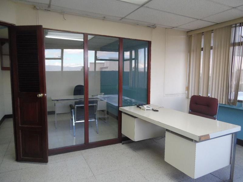 Foto Oficina en Renta en  Zona 10,  Ciudad de Guatemala  RENTA DE OFICINA EN ZONA 10, EXCELENTE UBICACIÓN