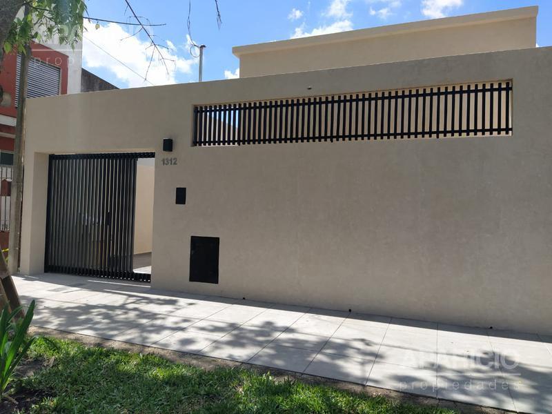Foto Casa en Venta en  La Plata ,  G.B.A. Zona Sur  43 entre 21 y 22
