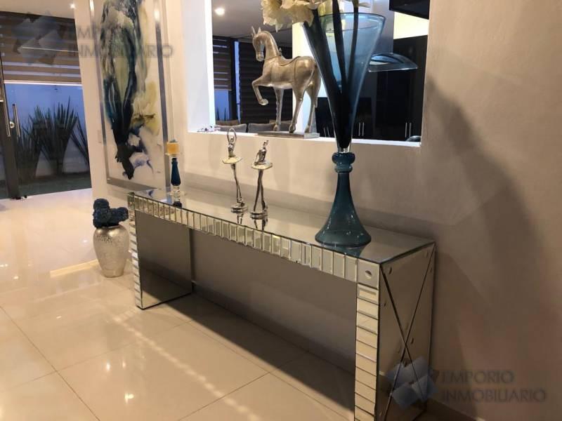 Foto Casa en Renta en  Virreyes Residencial,  Zapopan  Residencia Renta Virreyes $38,500 A257 E1