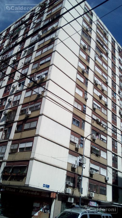 Foto Departamento en Venta en  San Cristobal ,  Capital Federal  La Rioja 1110  piso 6