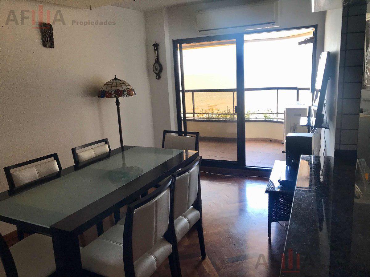 Foto Apartamento en Venta en  Malvín ,  Montevideo  Rambla R De chile 4500