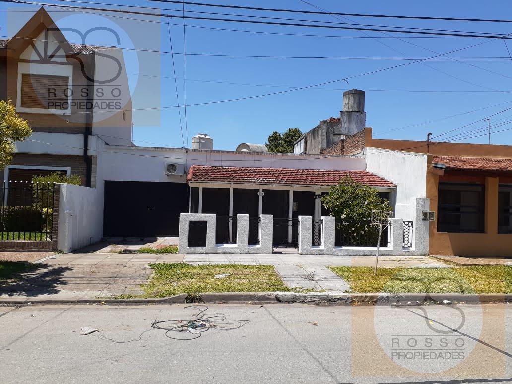 Foto Casa en Venta en  El Palomar,  Moron  Doidamia Palacios al 900