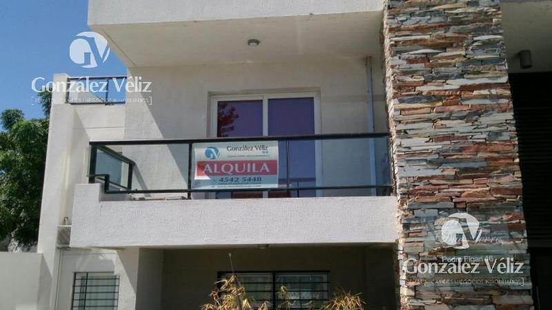 Foto Casa en Alquiler en  Colonia del Sacramento ,  Colonia  Pedro Figari a  40 metros de la Rambla Costanera  - Colonia del Sacramento