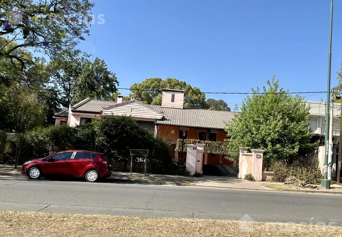 Foto Casa en Venta en  Yerba Buena ,  Tucumán  Aconquija y Andres Villa