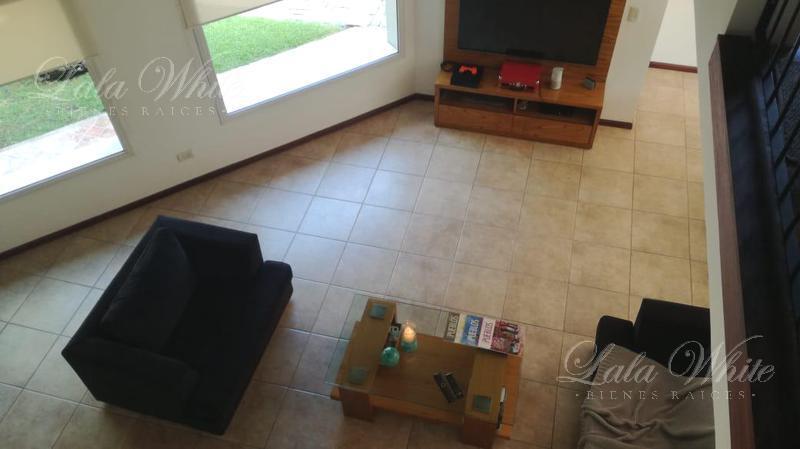 Foto Casa en Venta en  El Rodal,  Countries/B.Cerrado (E. Echeverría)  Venta - Casa en El Rodal