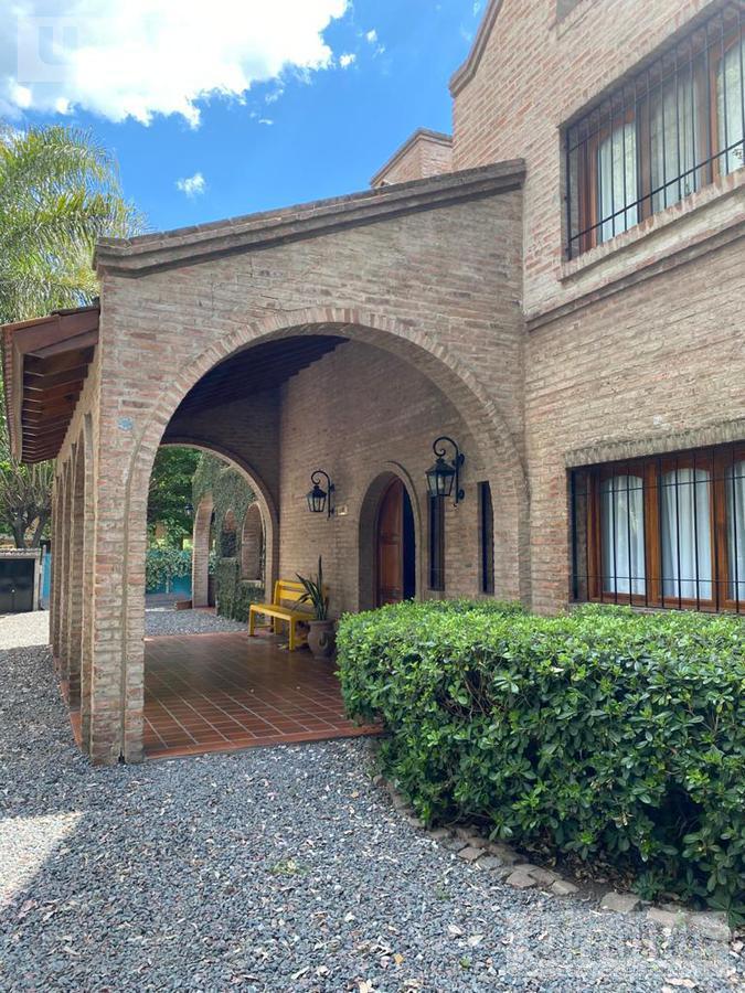 Foto Casa en Venta en  Barrio Parque Leloir,  Ituzaingo  De los Payadores al 1300