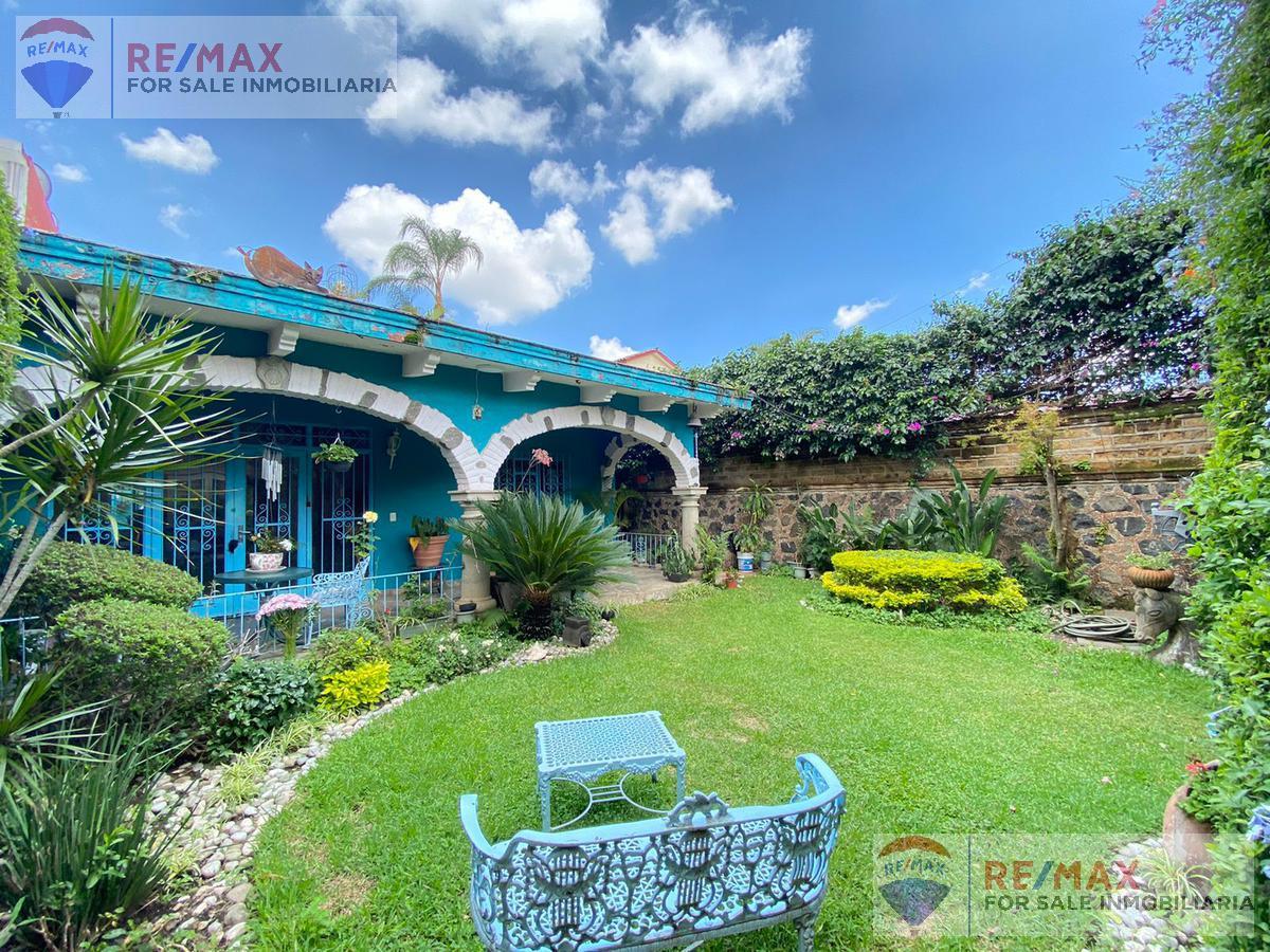 Foto Casa en Venta en  Vista Hermosa,  Cuernavaca  Venta de casa un nivel, zona dorada de Cuernavaca…Clave 3552