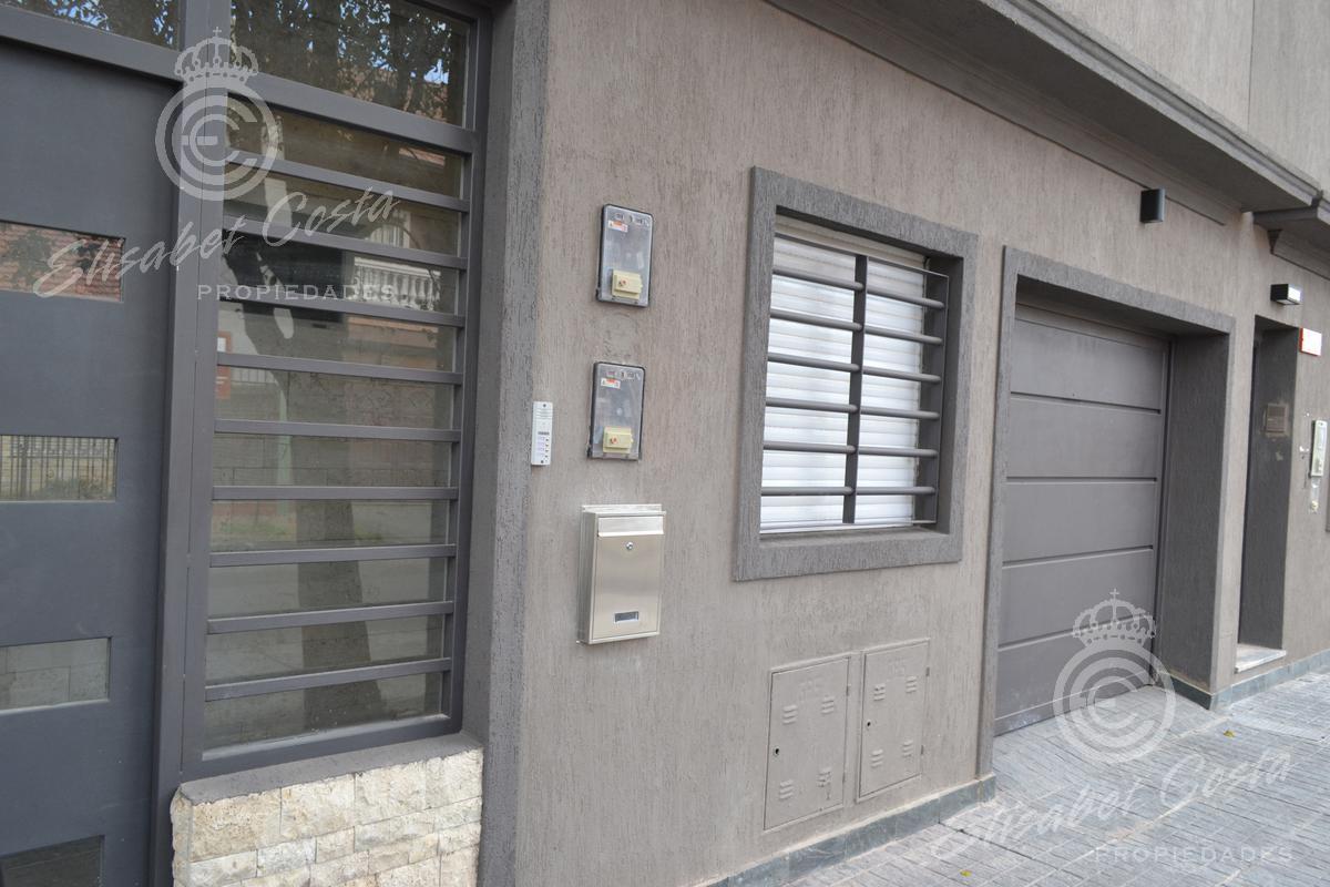 Foto Departamento en Alquiler en  Lanús Este,  Lanús  Ferre  al 1300 Depto. A