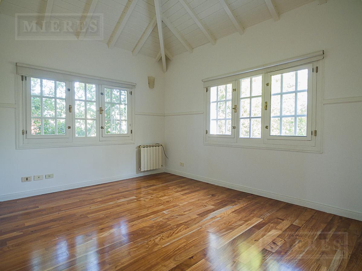 Excelente  casa en venta en Camino Real