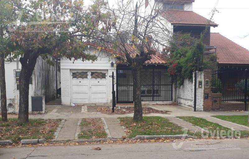 Foto Casa en Venta en  Moreno ,  G.B.A. Zona Oeste  Uruguay al 500