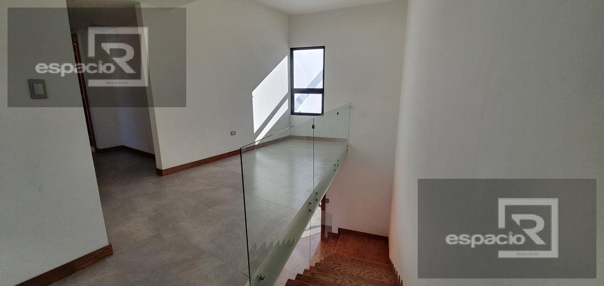 Foto Casa en Venta en  Residencial Albaterra,  Chihuahua  CASA EN VENTA EN ALBATERRA CON PATIO AMPLIO