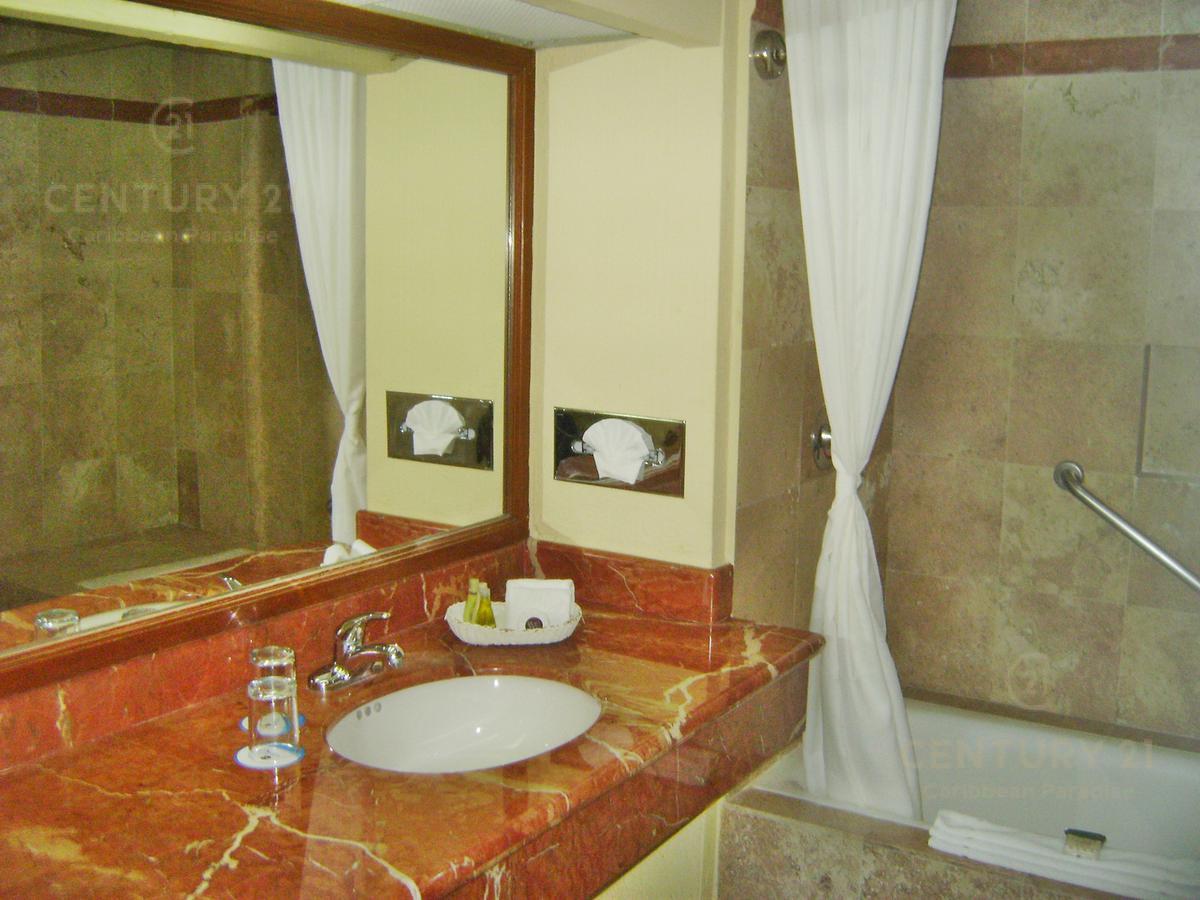 Zona Hotelera PH for Venta scene image 21