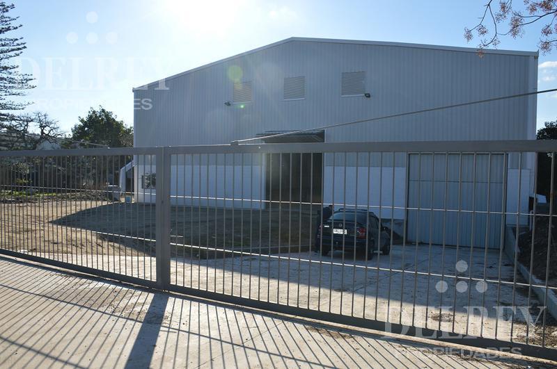 Foto Local en Alquiler en  Manga ,  Montevideo  Belloni y  Ruta 102  Perimetral
