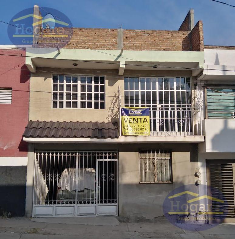 Casa Venta 3 niveles 6 Recámaras Vivar II León Gto