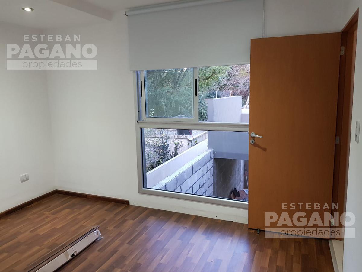 Foto PH en Venta en  City Bell,  La Plata          447 e 21 d y 21 c, N° 1454 frente