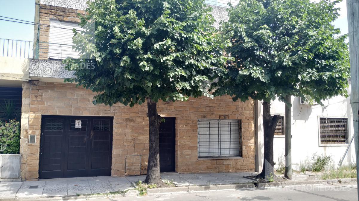 Foto Casa en Venta en  Moron Norte,  Moron  Leopoldo Lugones al 900