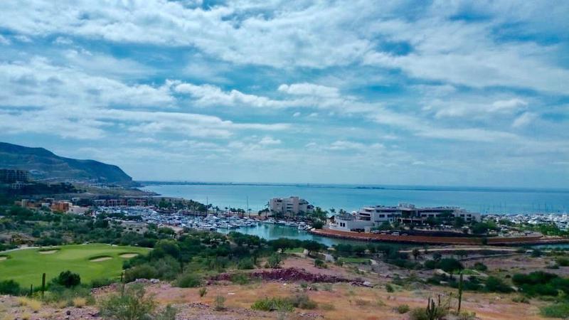Foto Terreno en Venta en  Pedregal del Cortes,  La Paz  LOTE COSTA BAJA