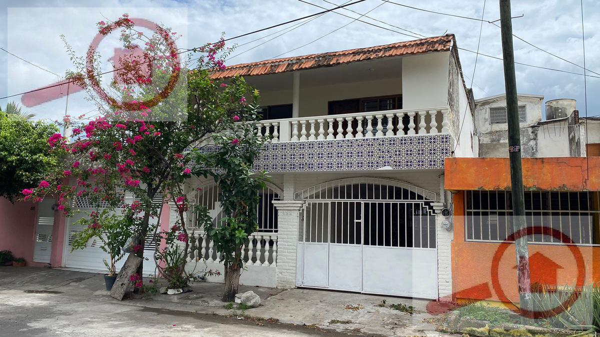 Foto Casa en Venta en  Los Pinos,  Veracruz  Casa en Venta en Los Pinos amplia ideal para Oficinas Departamentos o Residencia