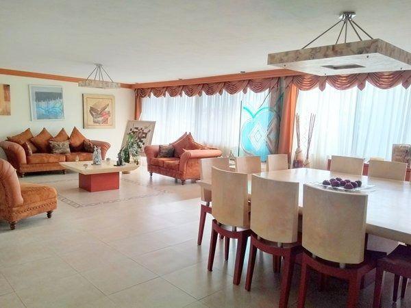 Foto Casa en Venta en  Lomas de Tecamachalco,  Huixquilucan  Casa en venta en Lomas de Tecamachalco con 3 recamaras.