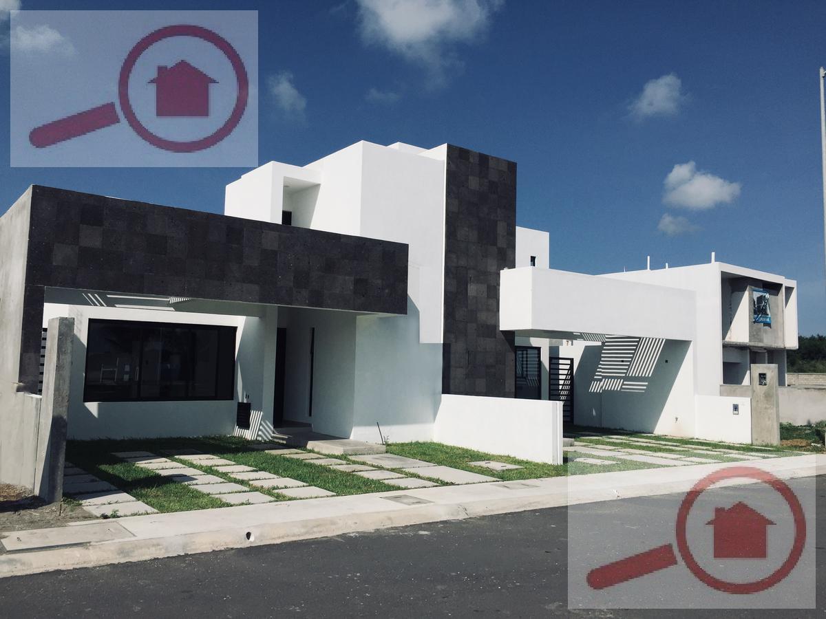 Foto Casa en Venta en  Fraccionamiento Lomas de la Rioja,  Alvarado  Casa Nueva en VENTA en Lomas de la Rioja con Roof Garden