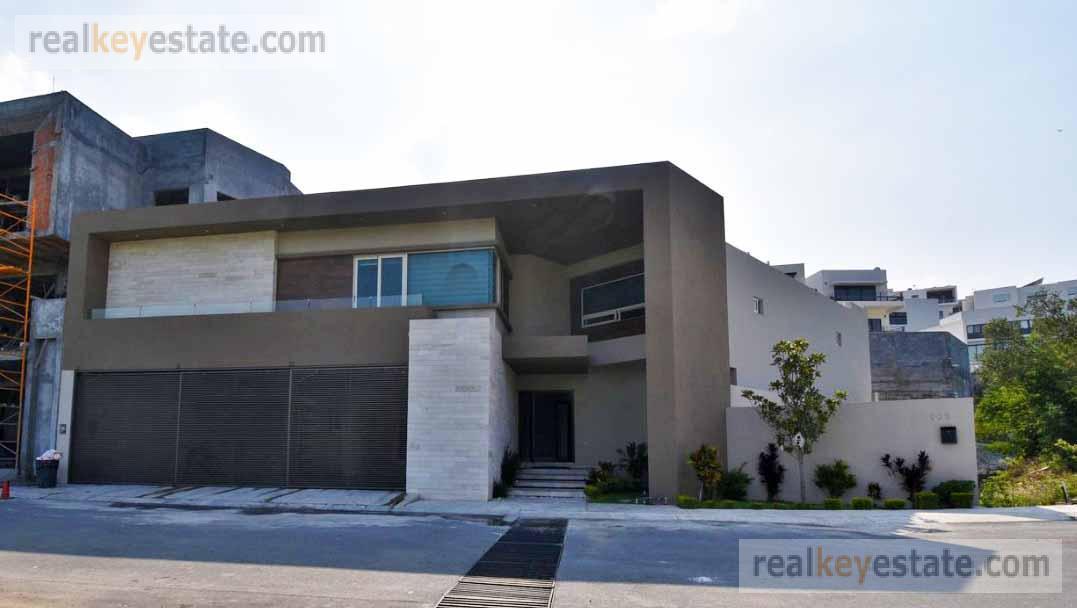 Foto Casa en Venta en  Sierra Alta 9o Sector,  Monterrey  SIERRA ALTA