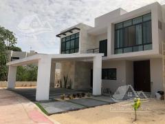 Foto Casa en Venta en  Lagos del Sol,  Cancún  Casa en Venta en Cancun/Lagos del Sol