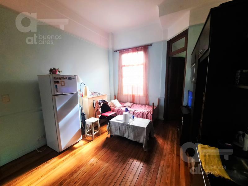 Foto Departamento en Venta en  Balvanera ,  Capital Federal  Rincon al 300