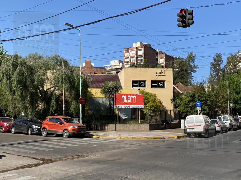 Foto Casa en Alquiler en  Lomas de Zamora Oeste,  Lomas De Zamora  Portela 299 esquina Acevedo