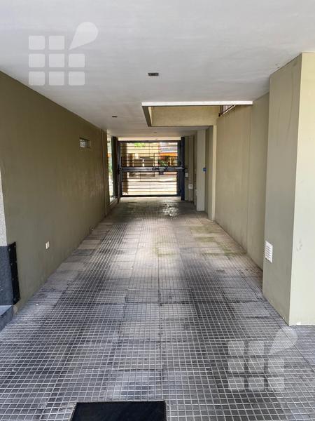 Foto Local en Venta en  La Plata ,  G.B.A. Zona Sur  16 e/ 38 y 39