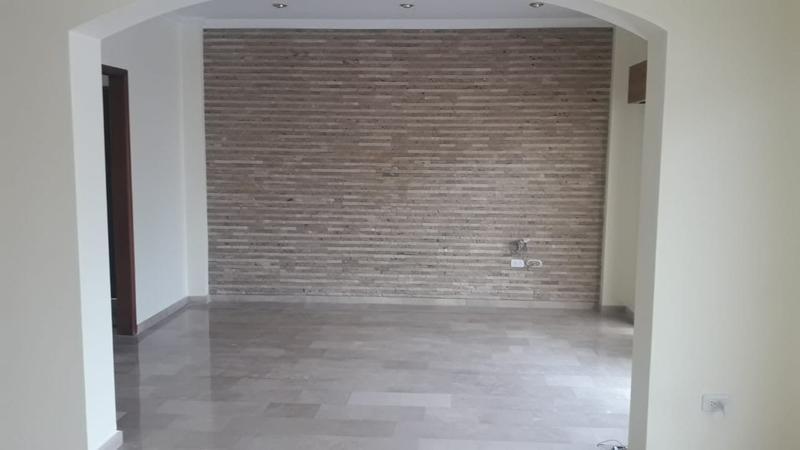 Foto Casa en Venta en  Samborondón,  Guayaquil  VENTA DE VILLA  CON DORMITORIO EN PLANTA BAJA VÍA SAMBORONDÓN