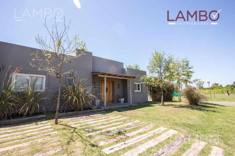 Foto Casa en Venta | Alquiler temporario en  Barrio El Aljibe,  Countries/B.Cerrado (Manzanares)  El Aljibe, Manzanares