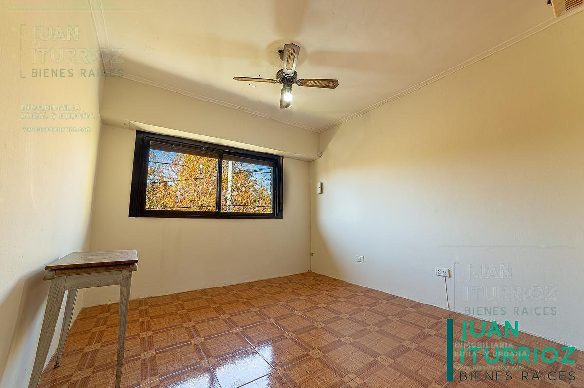 Foto Casa en Venta en  City Bell,  La Plata  464 e/ 15A y 16 - City Bell
