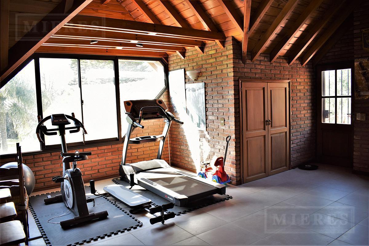 MIERES Propiedades- Casa de 470 mts en Mayling Club de Campo