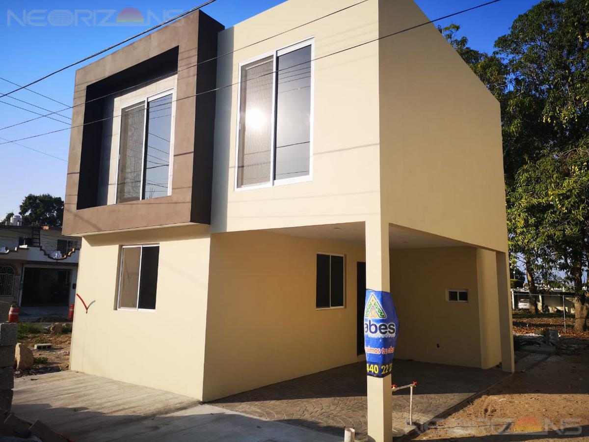 Foto Casa en Venta en  Vicente Guerrero,  Ciudad Madero   Casa estilo Moderno Col. Vicente Guerrero, Madero