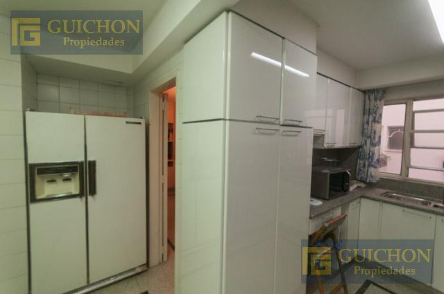 Foto Departamento en Venta en  Recoleta ,  Capital Federal  Av. Alvear al 1800 4°