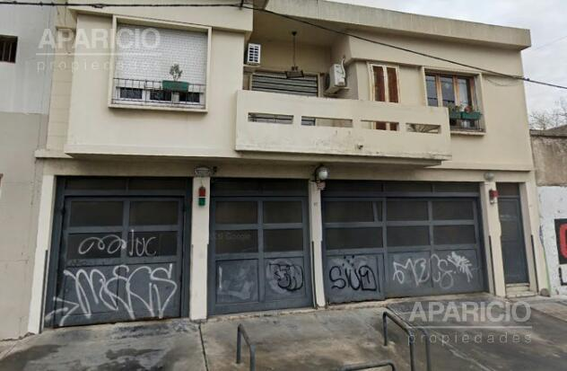 Foto PH en Venta en  La Plata ,  G.B.A. Zona Sur  1 entre 33 y 34