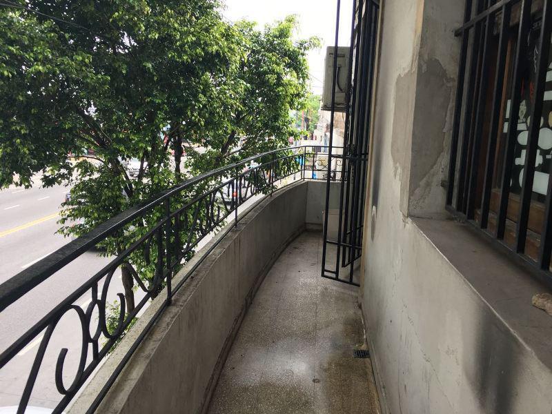 Foto PH en Venta en  B.Naon,  Liniers  Av Alberdi entre Guaminí y Montiel