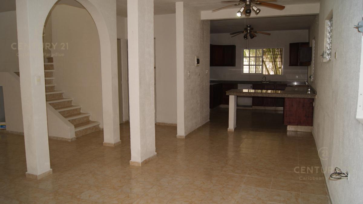 Playa del Carmen House for Rent scene image 4