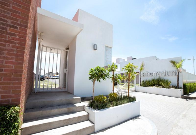 Foto Casa en Venta en  San Juan Cuautlancingo Centro,  Cuautlancingo  Casa en venta en La Herradura