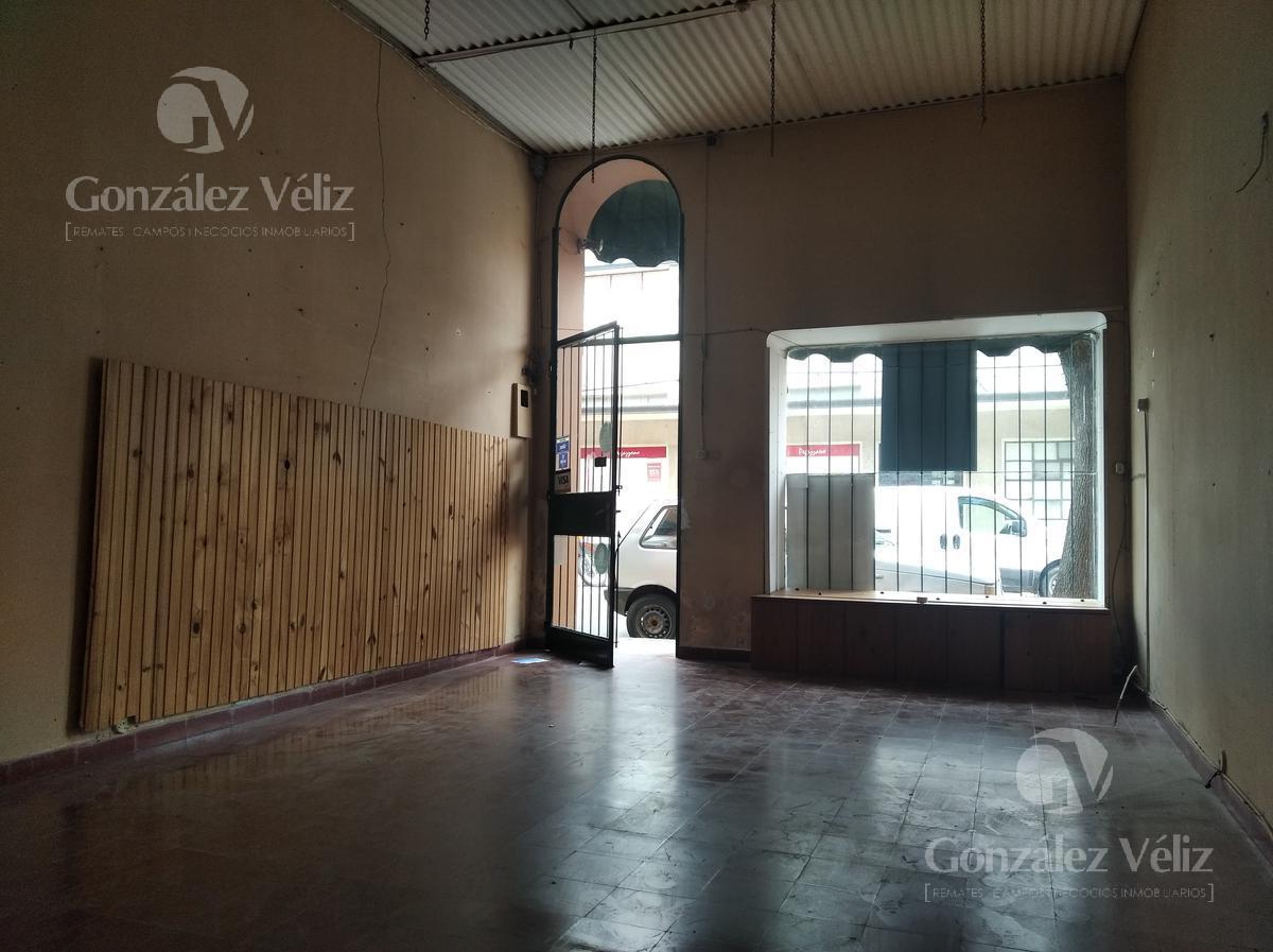 Foto Local en Alquiler en  Carmelo ,  Colonia  Treinta y Tres entre Uruguay y Zorrilla
